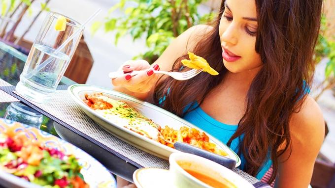 おすすめのタイミングは食事のときに摂取